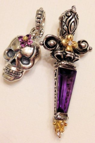 Amethyst dagger with rhodolite-accented skull. Photo by RSBingham