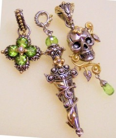 Peridot vine and leaf dagger with peridot flower and skull. Photo by RSBingham