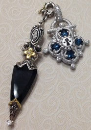White gold lock with onyx dagger