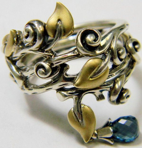 Vine ring with drop