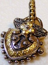 Heart-shaped garden lock, all metal.