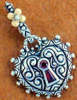 garnet keyhole lock
