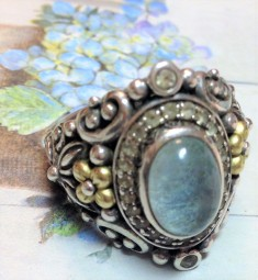 Frosted BTO sadde ring with white topaz Size 9.